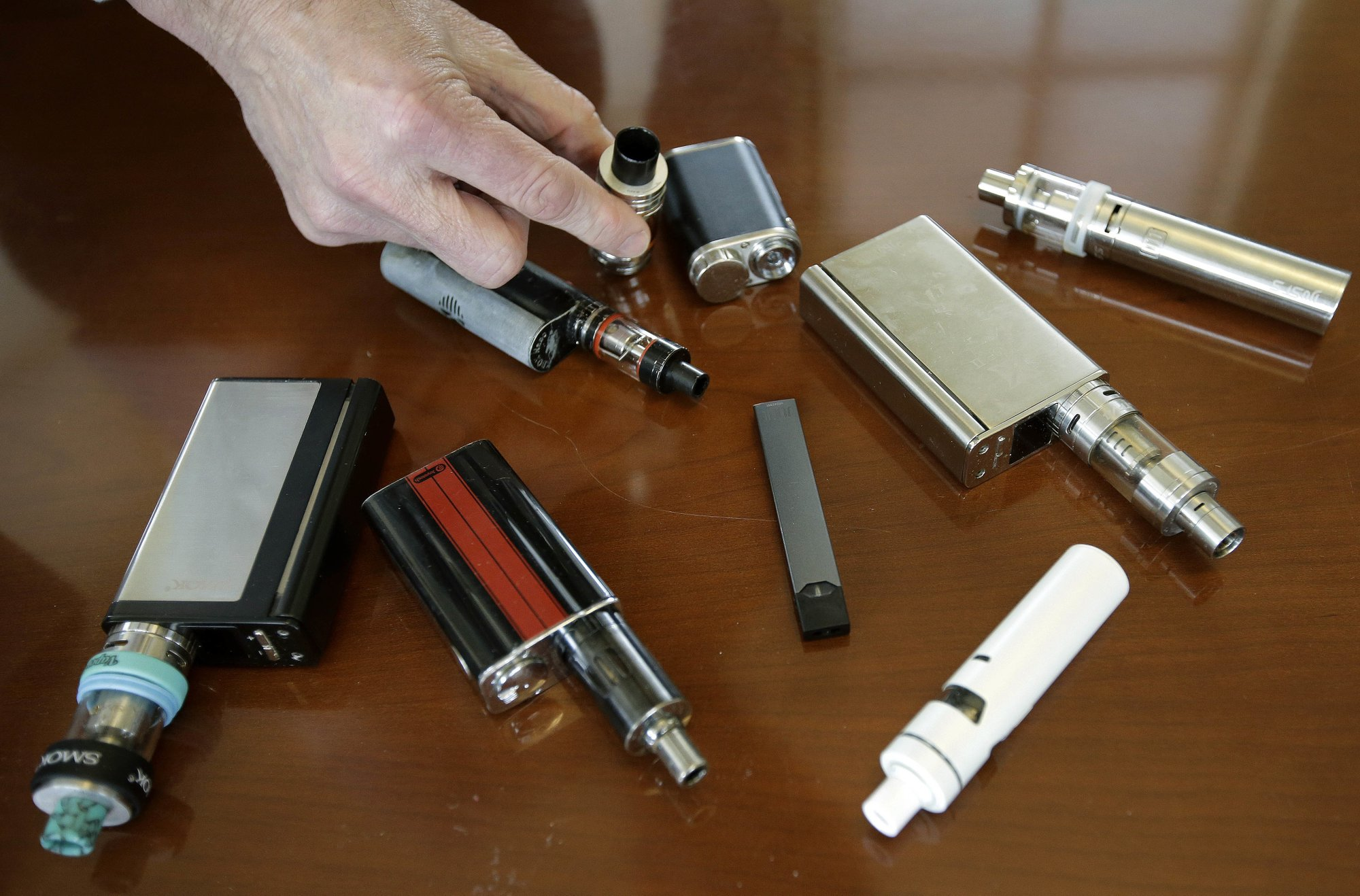 Cuomo administration plans to ban flavored e-cigarettes
