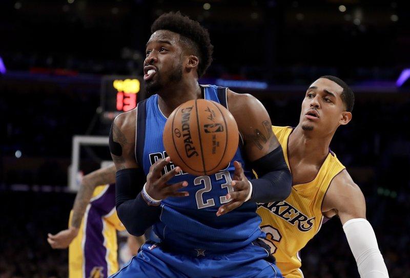 Mavericks Take Control In Third Quarter Beat Lakers 101 89