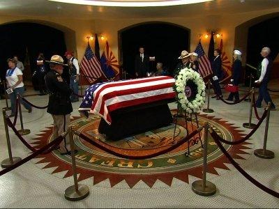 Arizonans pay respects to Senator John McCain