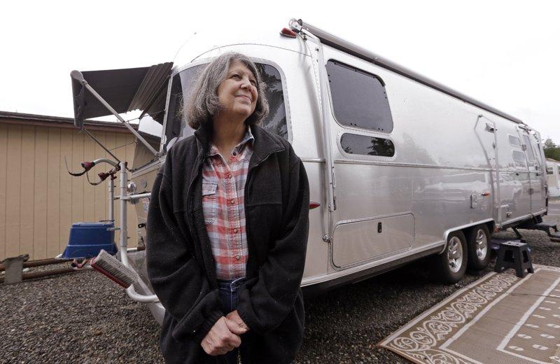 Woman crisscrosses West to fulfill acquaintance's last wish