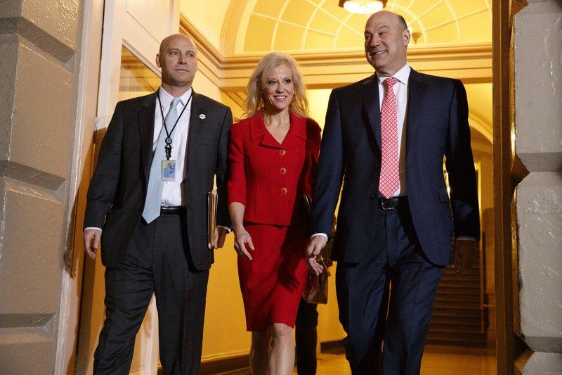 Donald Trump, Haider al-Abadi, Kellyanne Conway, Gary Cohn