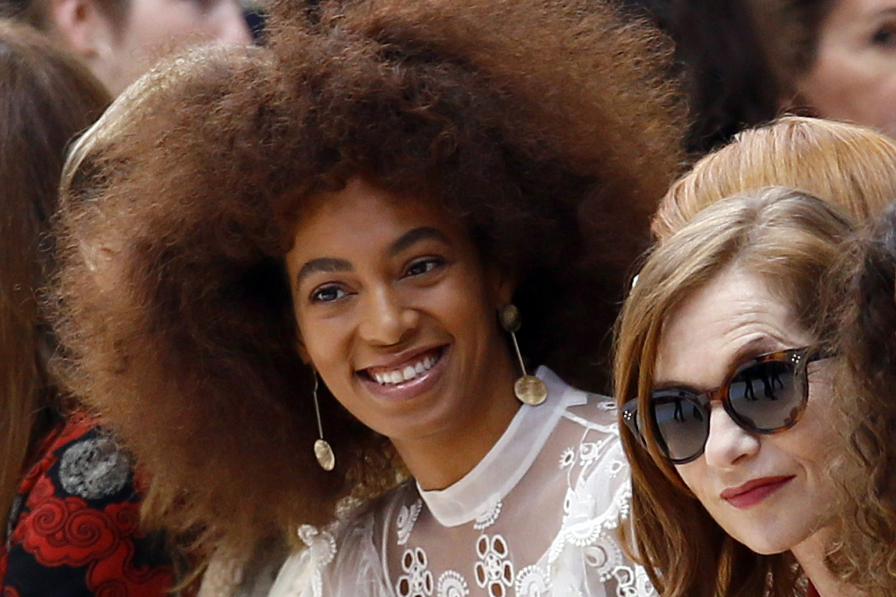 UK paper sorry for airbrushing out Solange Knowles's braids