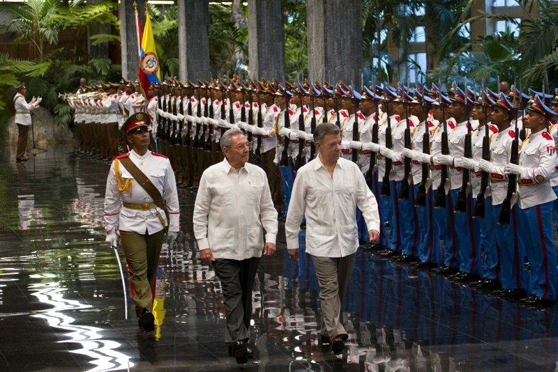 Raul Castro,Juan Manuel Santos
