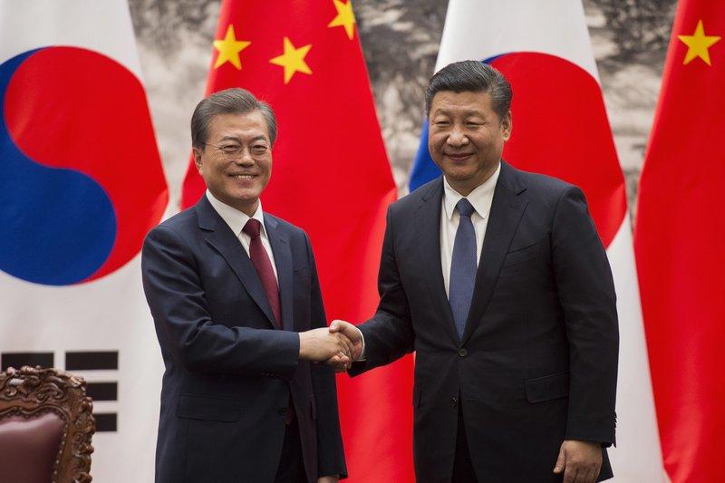 Moon Jae-in, Xi Jinping
