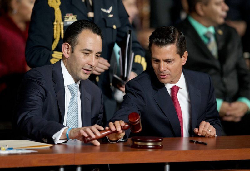 Roberto Gil Zuarth, Enrique Pena Nieto