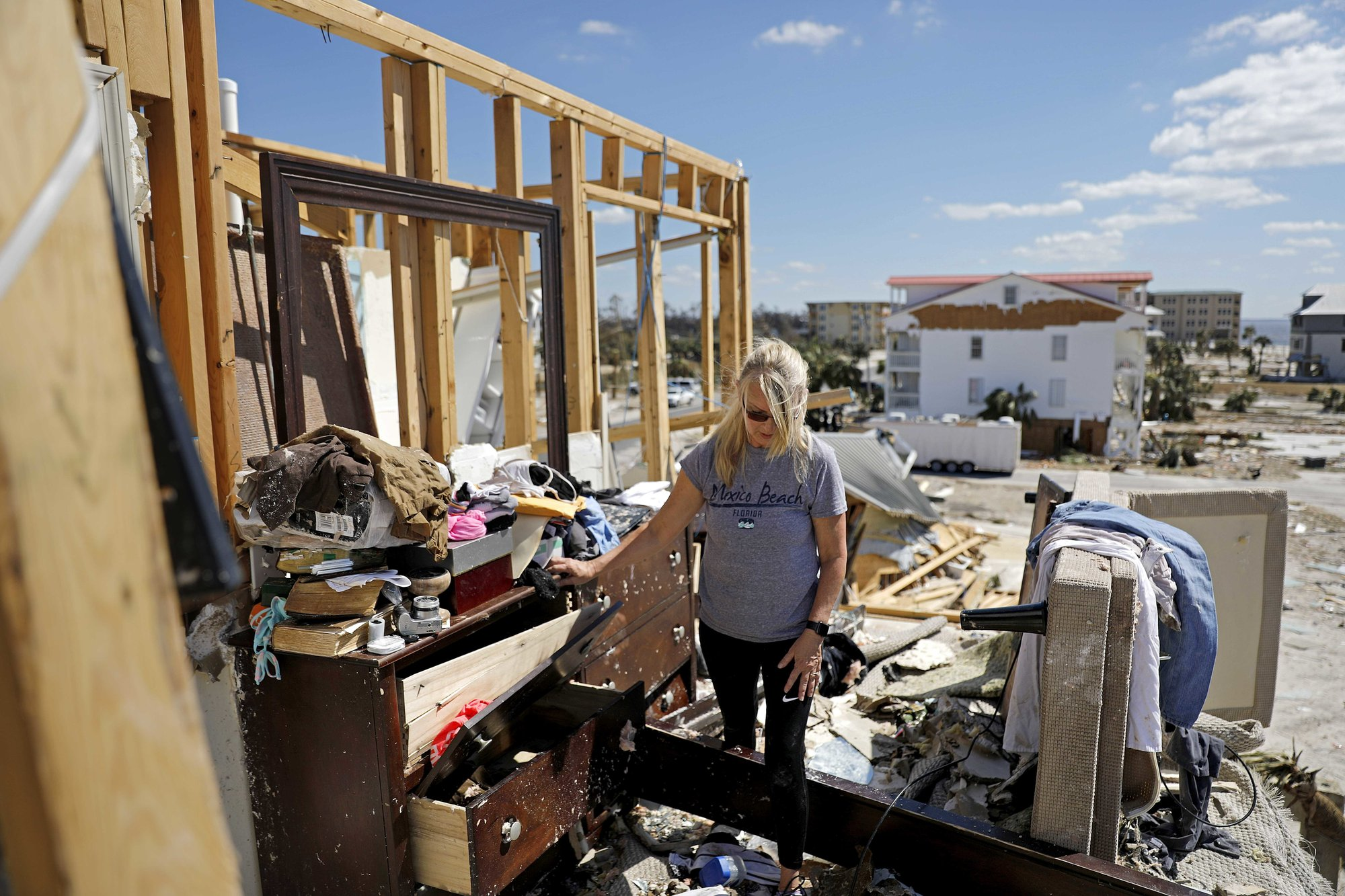 No cellphones, no gas: No end to misery in hurricane zone