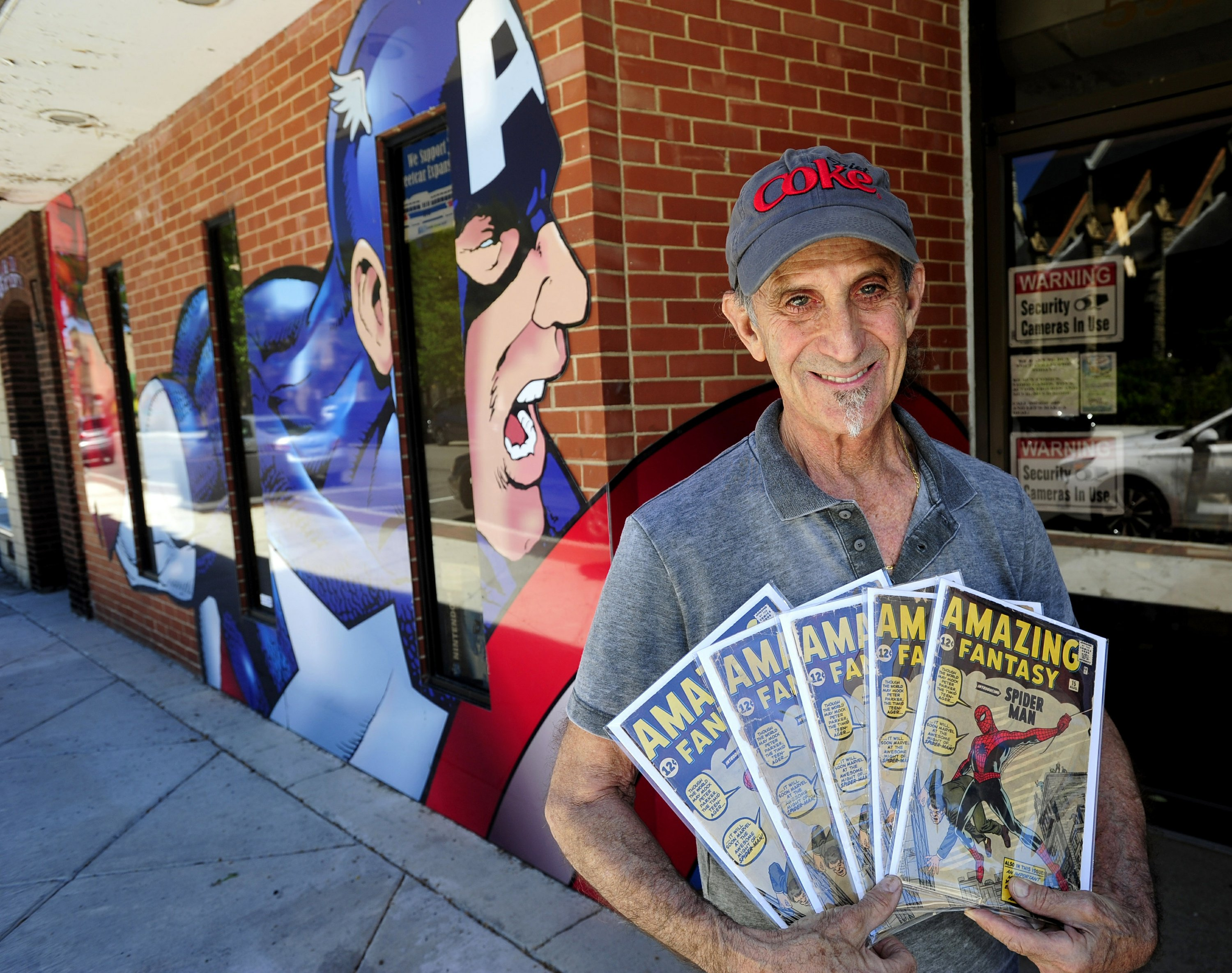 Wisconsin man has more than 200,000 comics in his collection