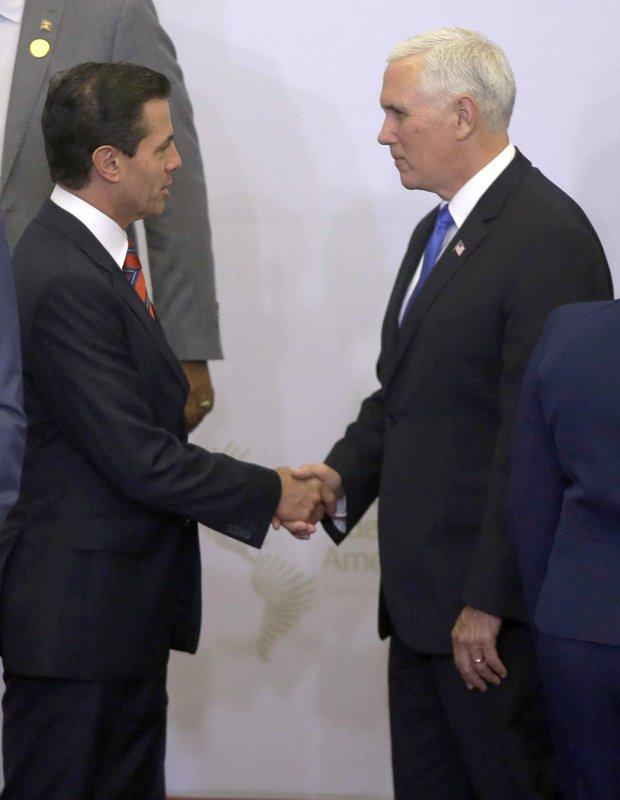 Mike Pence, Enrique Pena Nieto