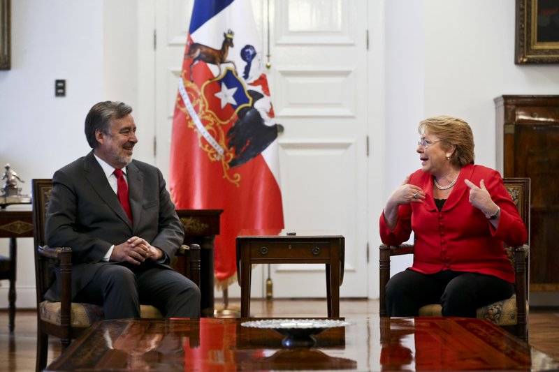 Alejandro Guillier, Michelle Bachelet