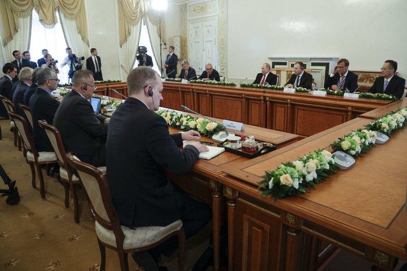 Vladimir Putin, Ian Phillips