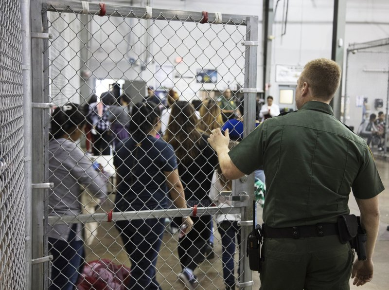 Texas Kids Werent Kept Out Of Special >> Hundreds Of Children Wait In Border Patrol Facility In Texas