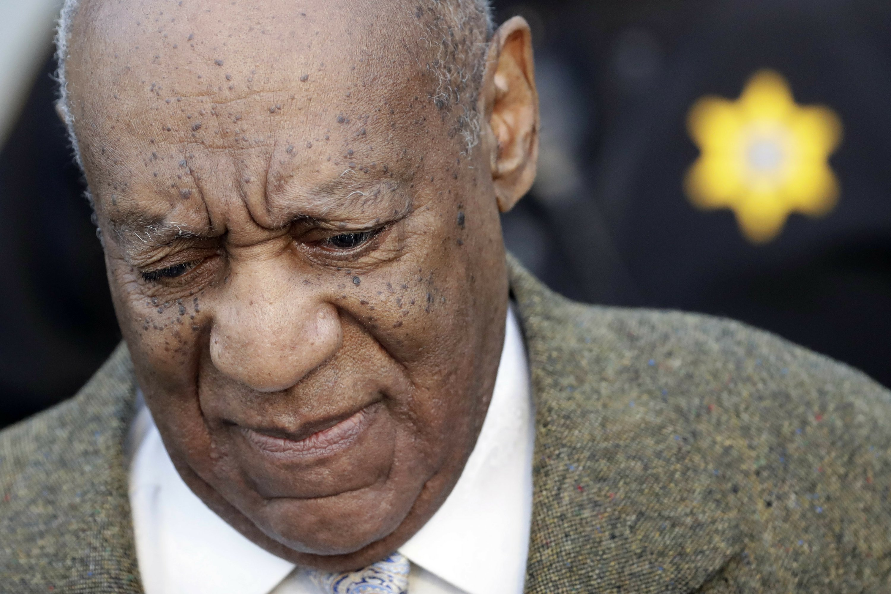 Prosecutors push judge to let other Cosby accusers testify