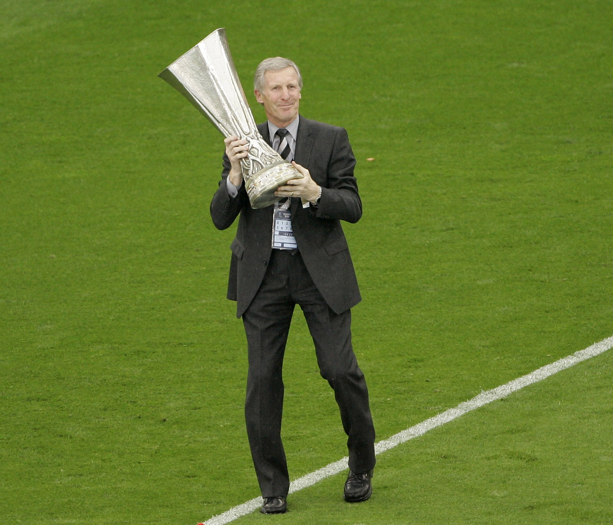 European Cup-winning Celtic captain Billy McNeill dies at 79