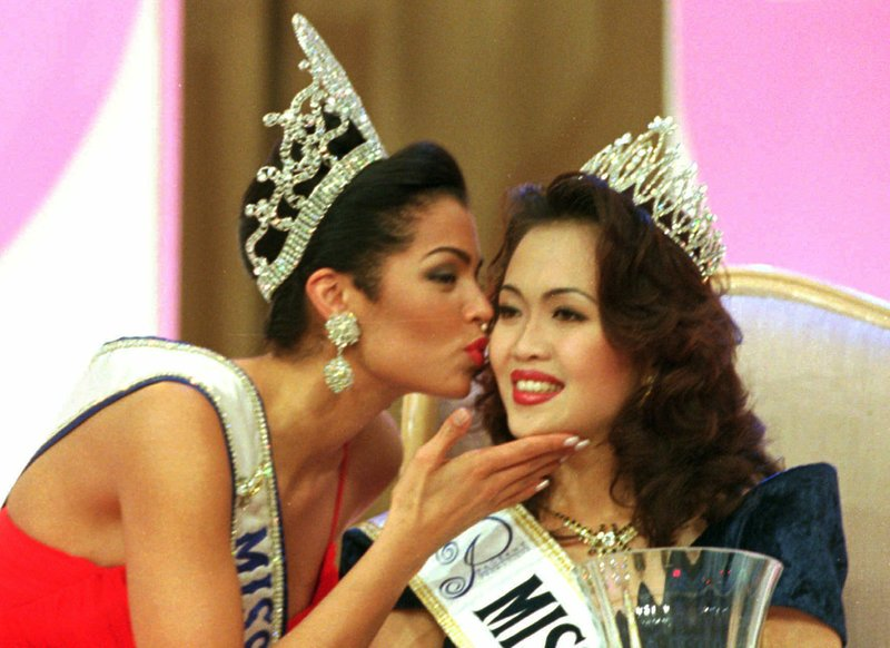 Chelsi Smith, Adeline Ong Siew Fong