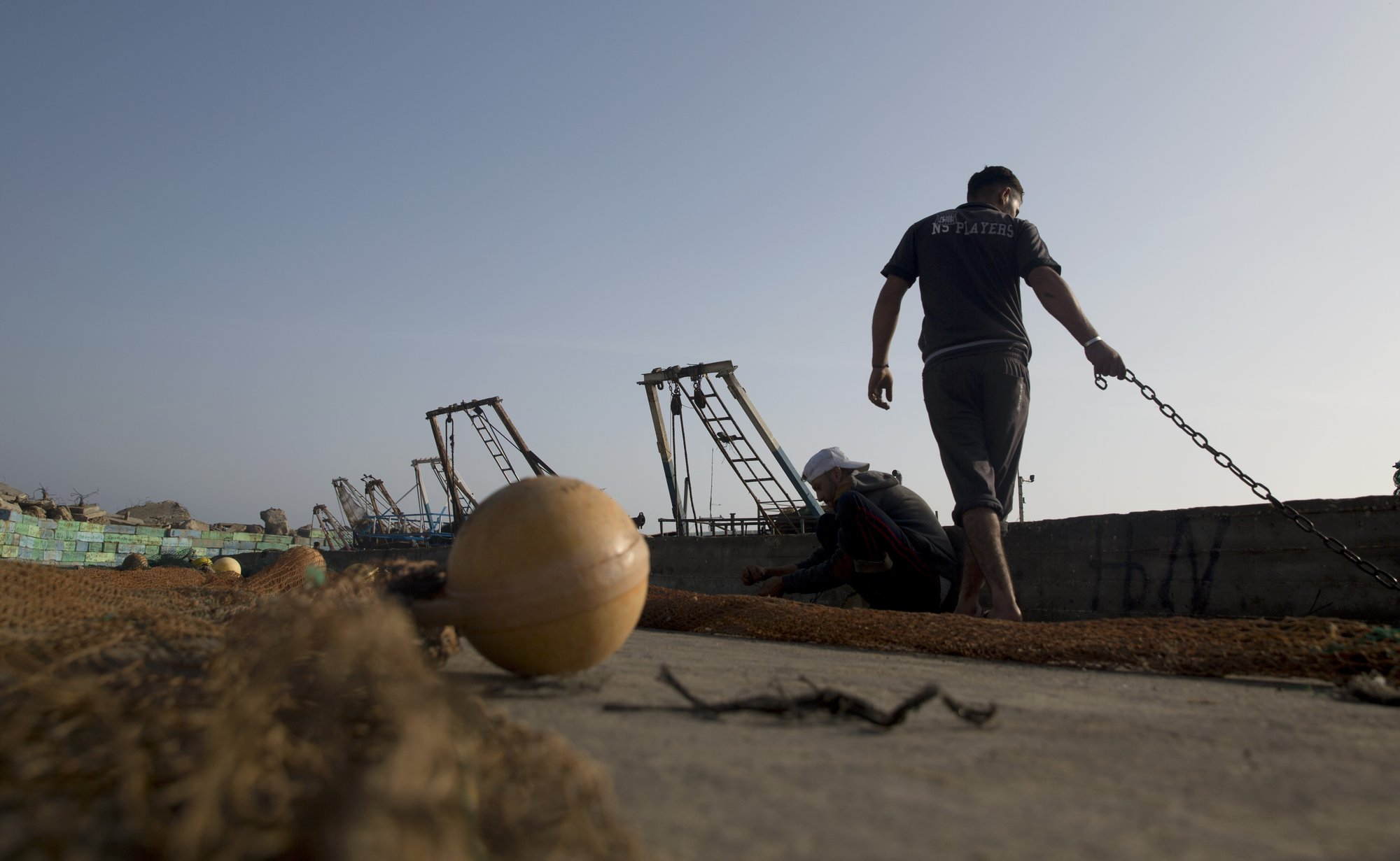Israel expands Gaza fishing zone, implementing cease-fire
