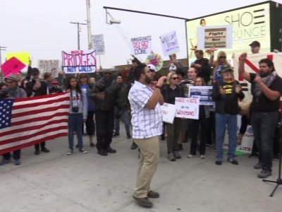 Anti-Wall Protesters Greet Trump Visit to Calif.