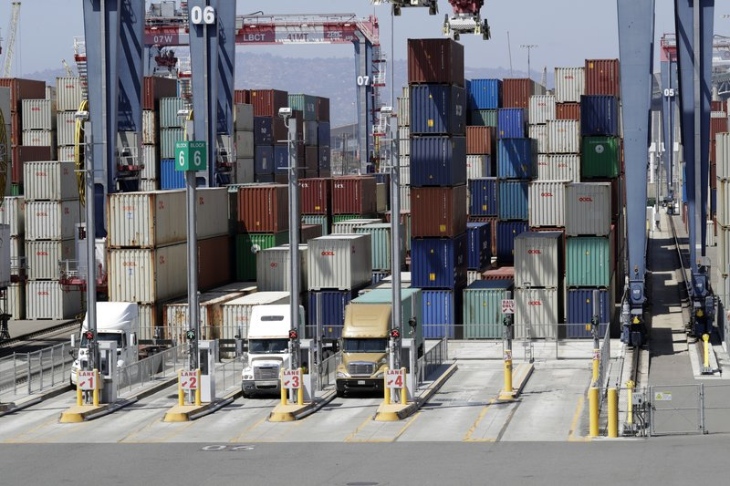 U.S. trade deficit widens despite tariffs
