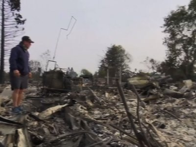 Calif. Wildfire Victims Return to Burned Homes
