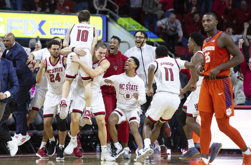 Beverly S 3 Helps No 21 Nc State Rally Past Clemson 69 67