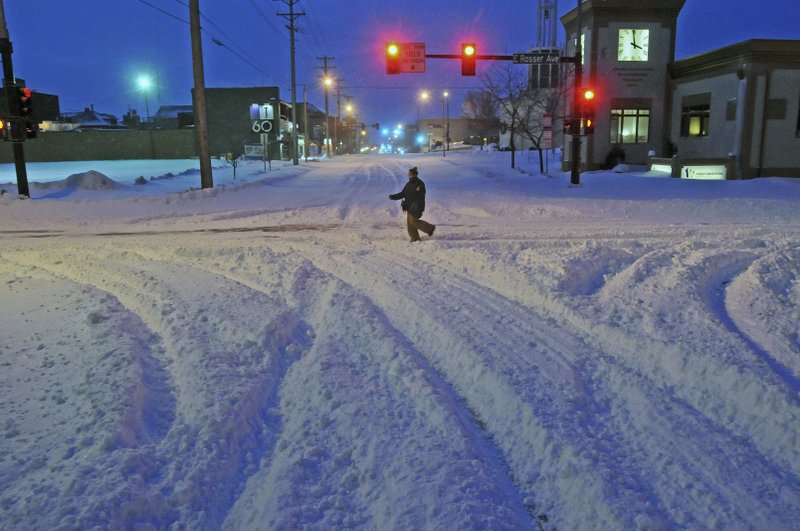 Winter storm weakens but travel still hazardous in places