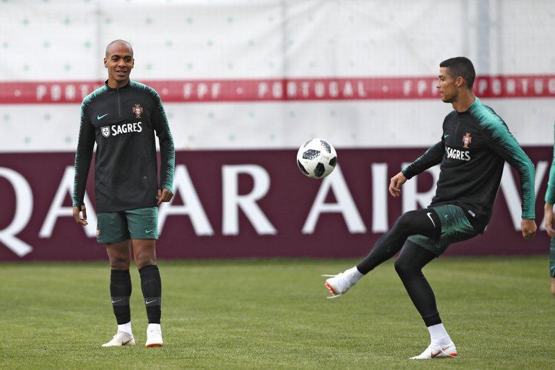 Cristiano Ronaldo, Joao Mario