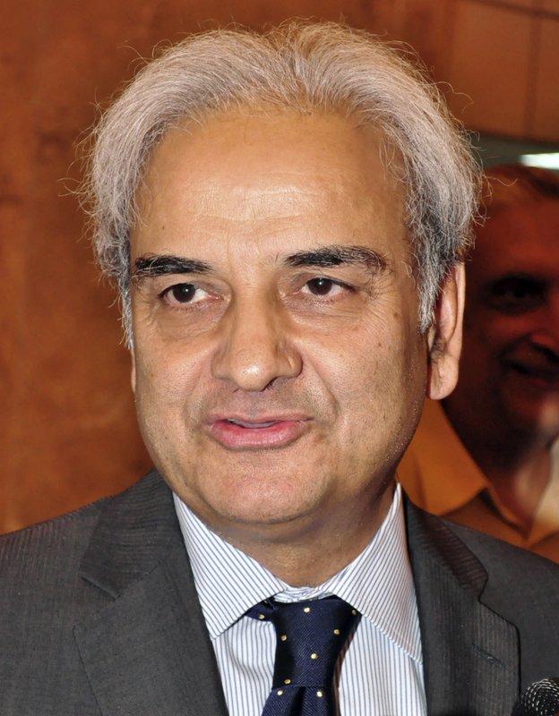 Pakistan's ex-judge becomes interim prime minister
