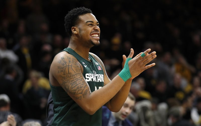 No 4 Michigan State Survives Iowa 96 93