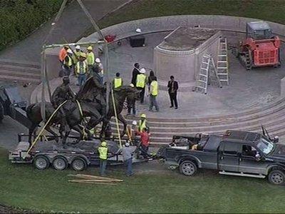 Raw: Dallas Removes Robert E. Lee Statue