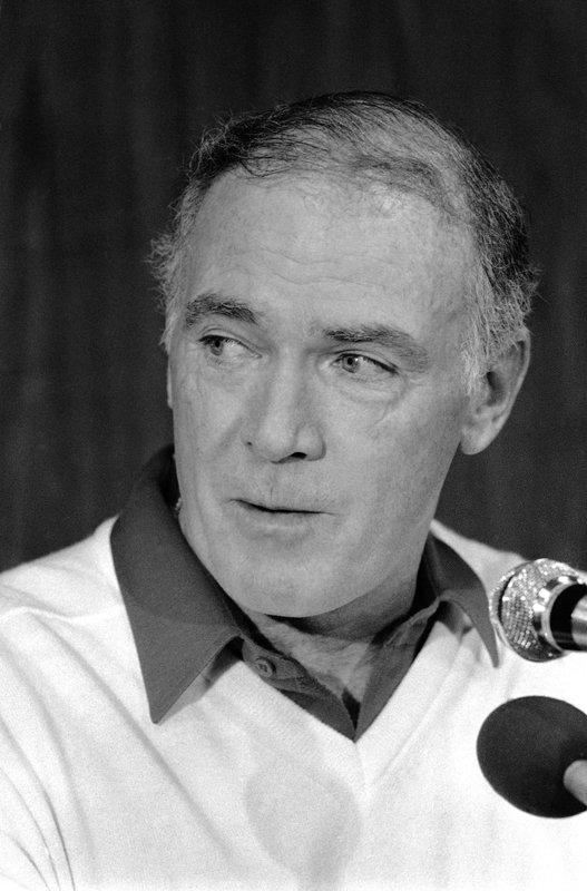 Former NFL coach Chuck Knox dies at 86