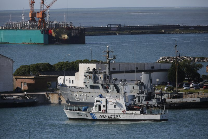apnews.com - Argentina says calls did not come from missing submarine