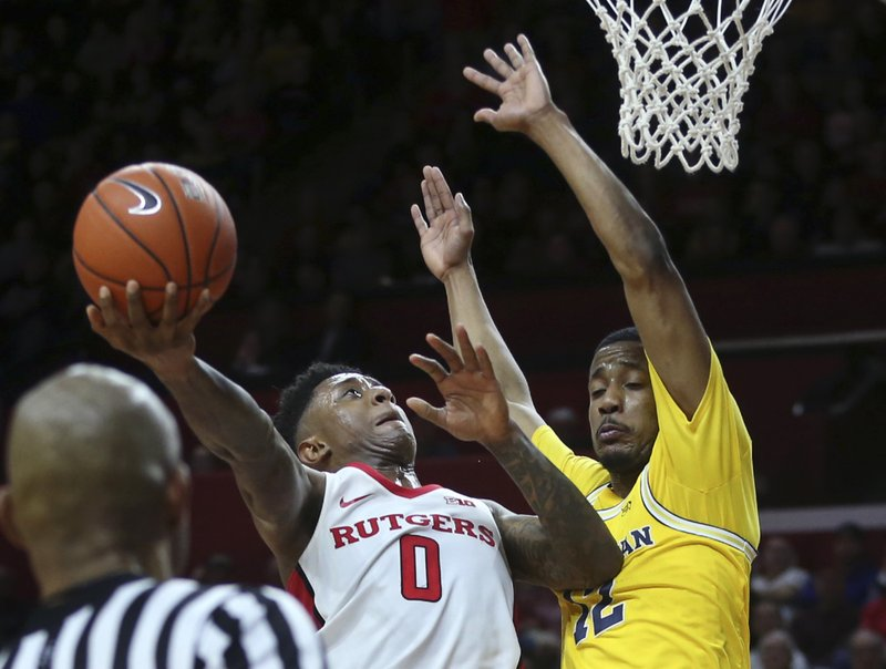 29d54f34d5f0 Michigan beats Rutgers 68-64 behind Wilson s double-double