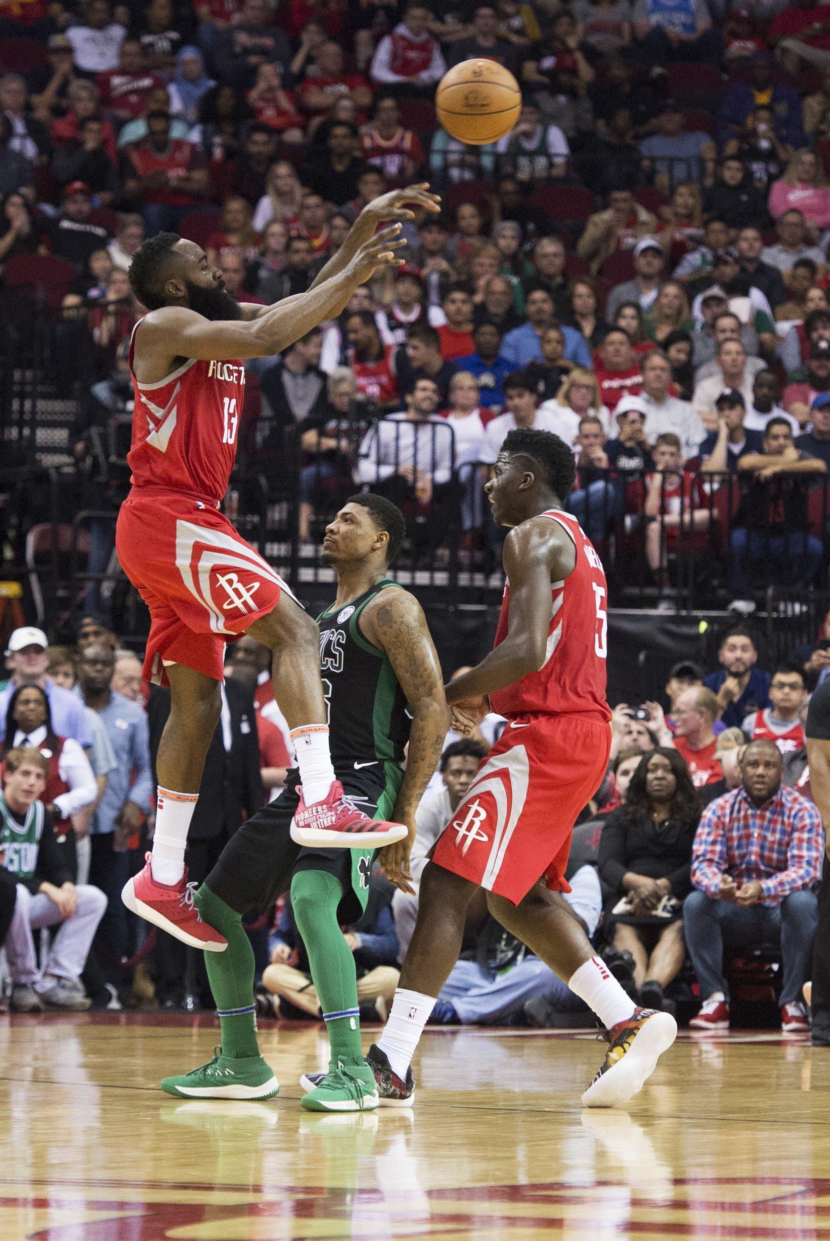 52f8ecf84701 Rockets extend streak to 15 with 123-120 win over Celtics