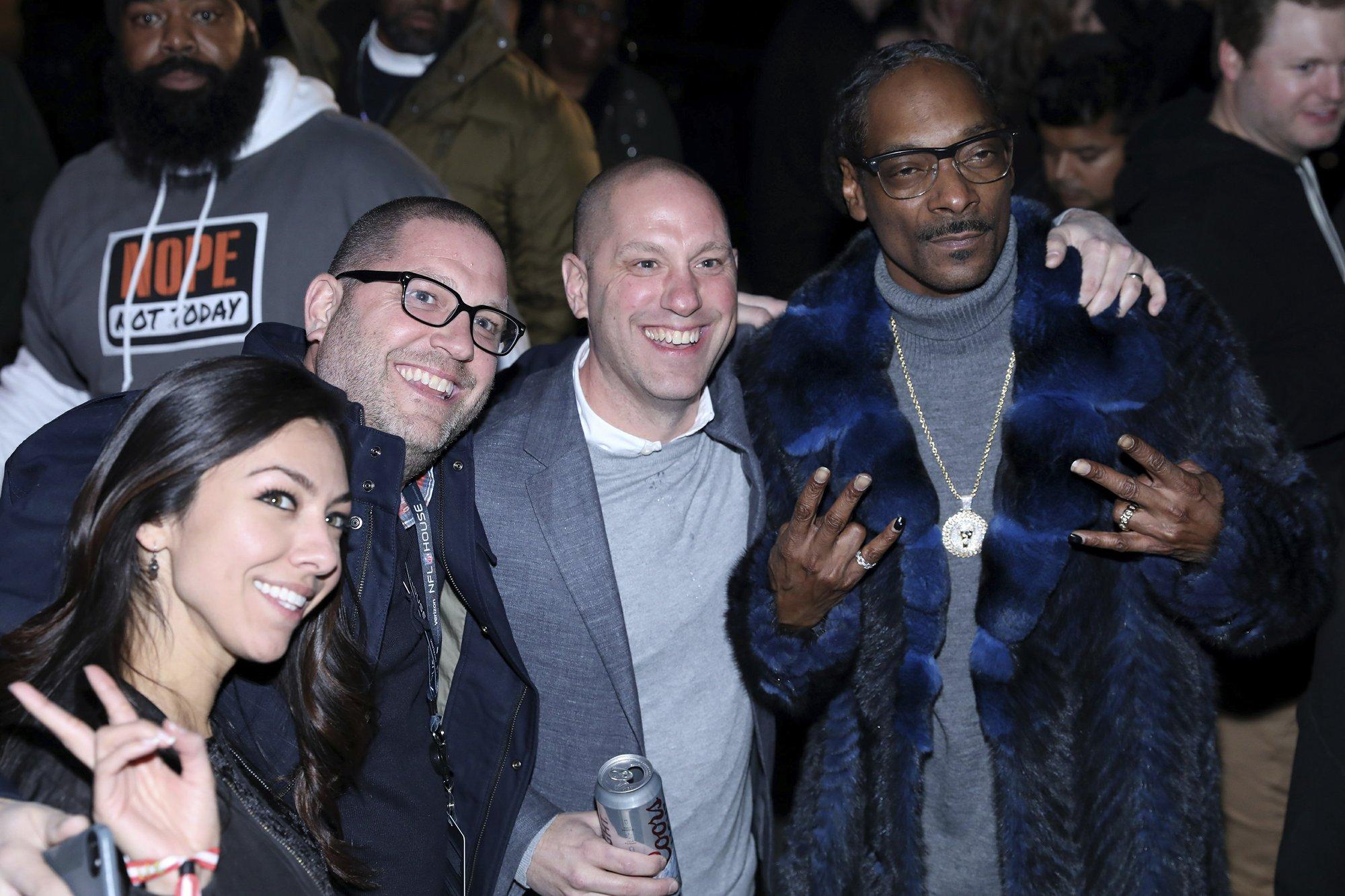 Snoop Dogg Has Busy Super Bowl Week As Dj Gospel Singer