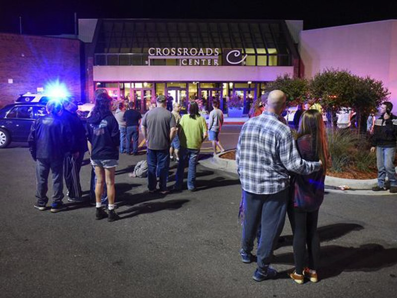 8 people injured during stabbing attack at Minnesota mall