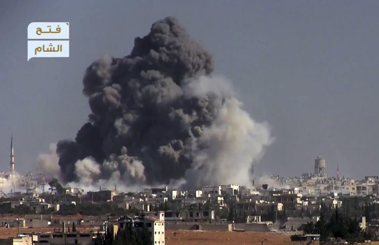 Mortar fire breaks Russian-declared fighting halt in Aleppo