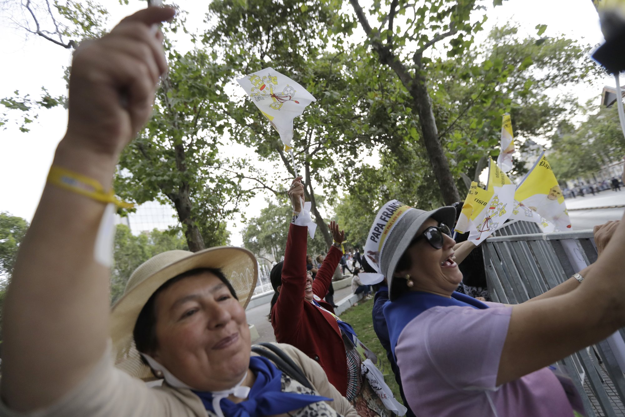 The Latest Small Crowds Greet Pope On First Visit To Chile