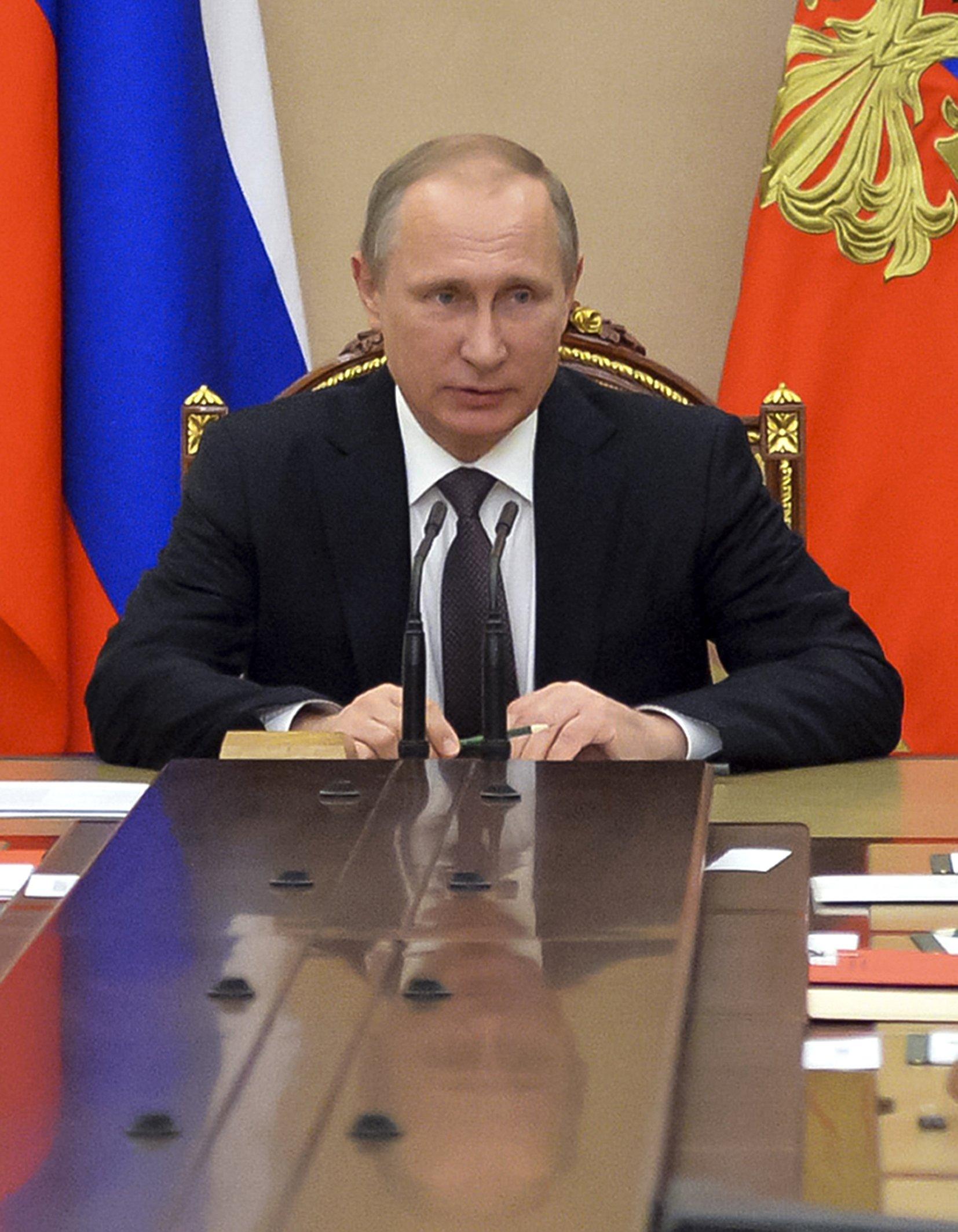 Tough talk between Russia, Ukraine heats up Crimea stalemate