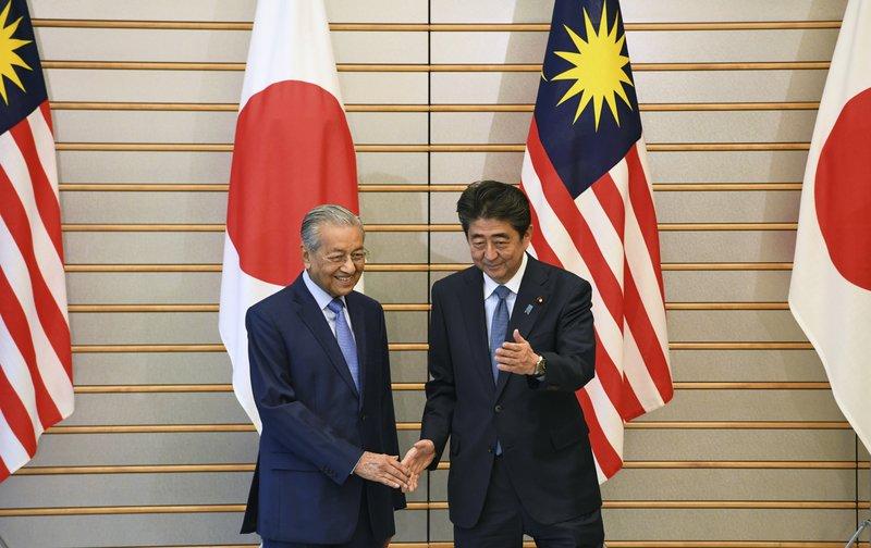 Shinzo Abe, Mahathir Mohamad