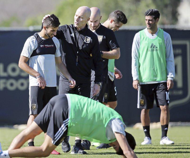 Bob Bradley, Diego Rossi, Carlos Vela