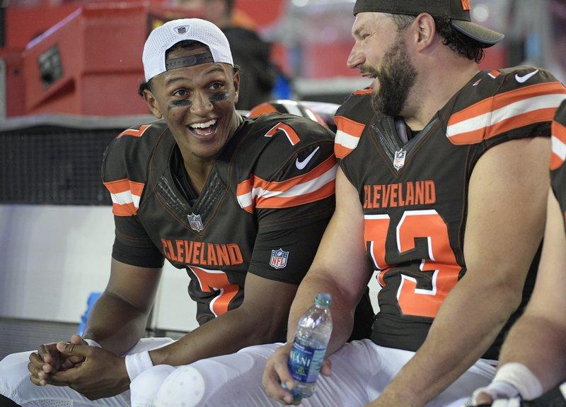 0c207908 Start up: Browns rookie QB Kizer named team's starter