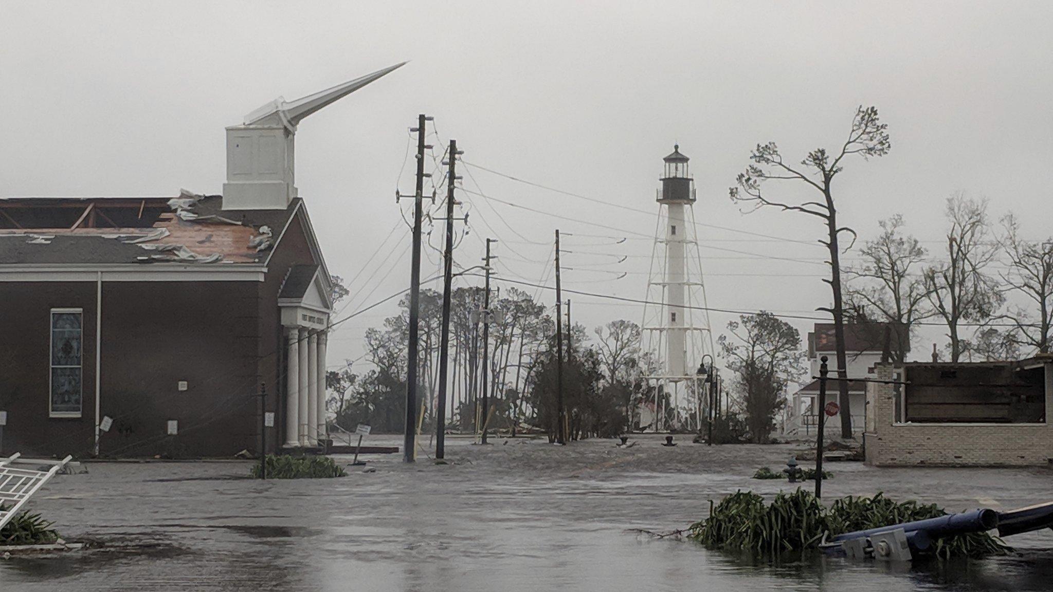 What S Happening Hurricane Michael Hits Florida Georgia