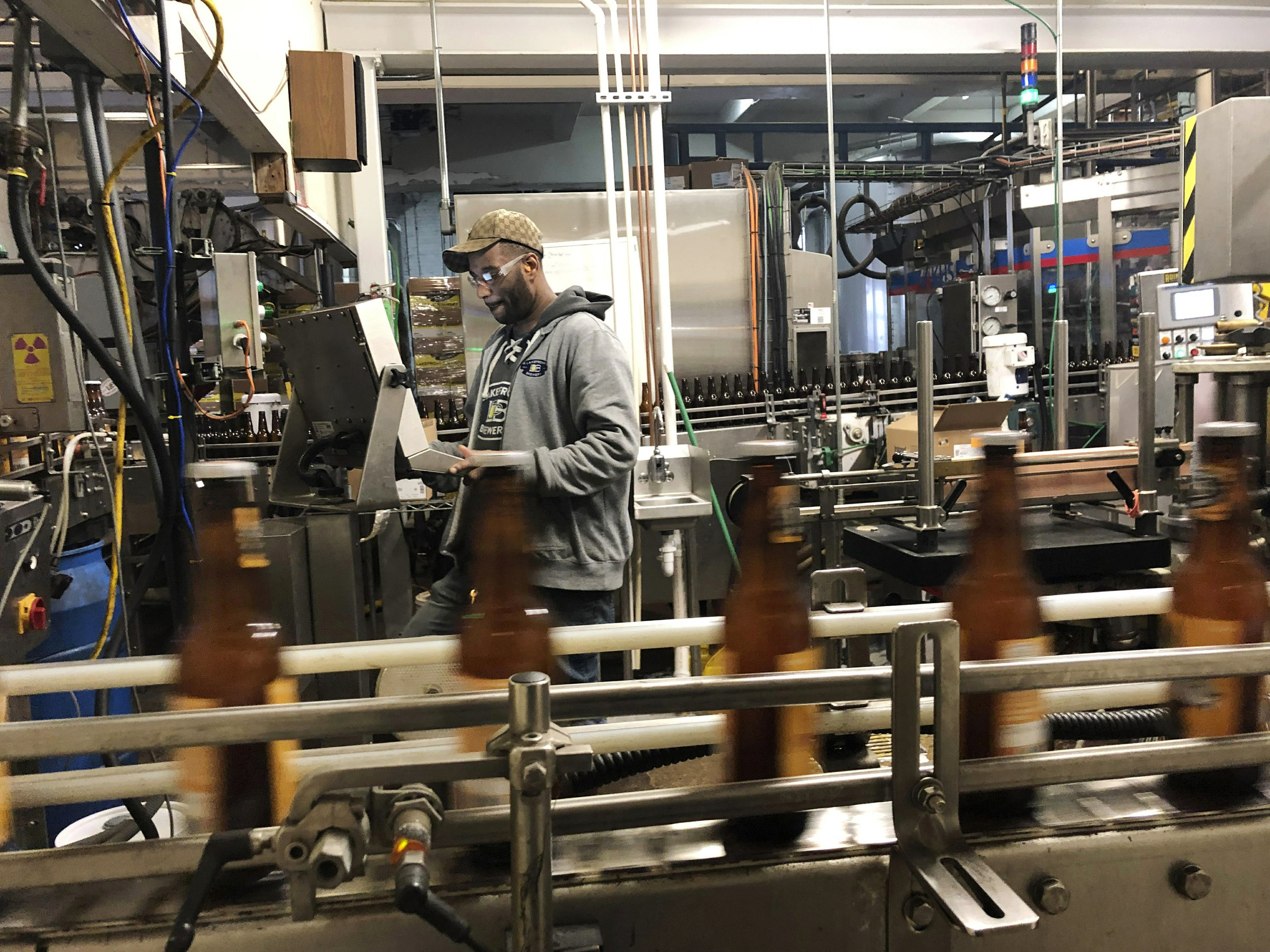 Craft beer taps squeezed as shutdown delays new releases - The Associated Press thumbnail
