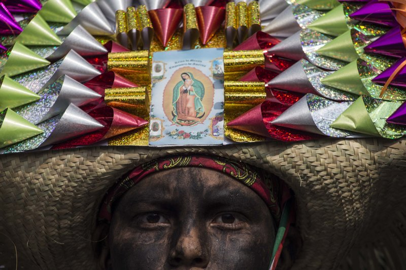 18b1c88c62bcd ... indigenous soldier attends the re-enactment of The Battle of Puebla  between the Zacapoaztlas and French army during Cinco de Mayo celebrations  in Mexico ...