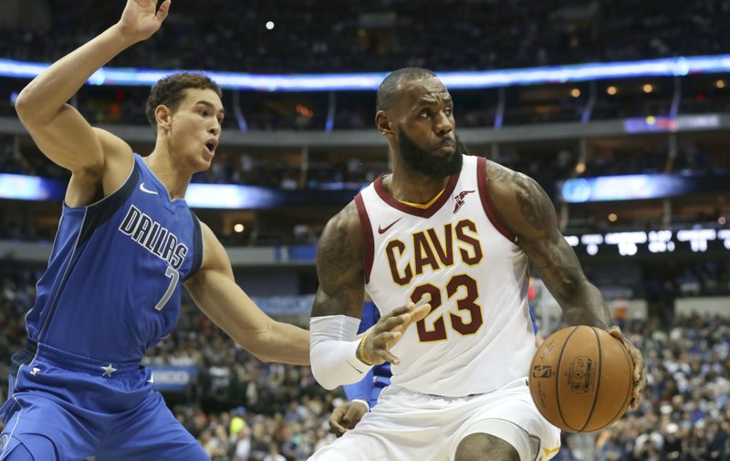 LeBron James, Dwight Powell
