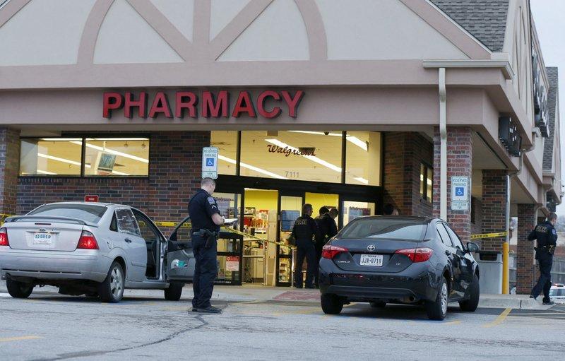Walgreens Employee At Home >> Walgreens Employee Fatally Shoots Man After Photos Dispute