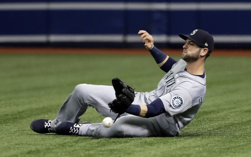 Mariners throw out runner at plate to end it, beat Rays 5-4