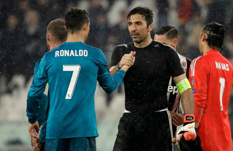 Gianluigi Buffon, Cristiano Ronaldo