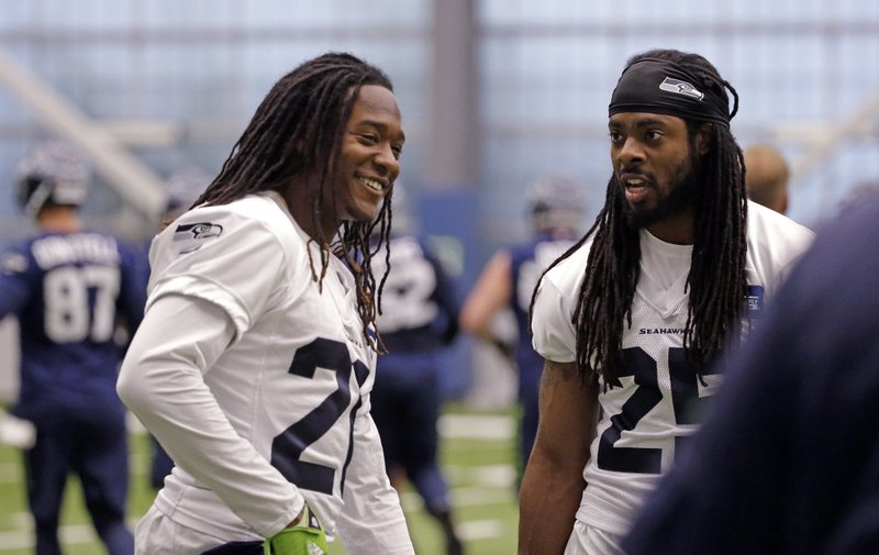 DeAndre Elliott, Richard Sherman