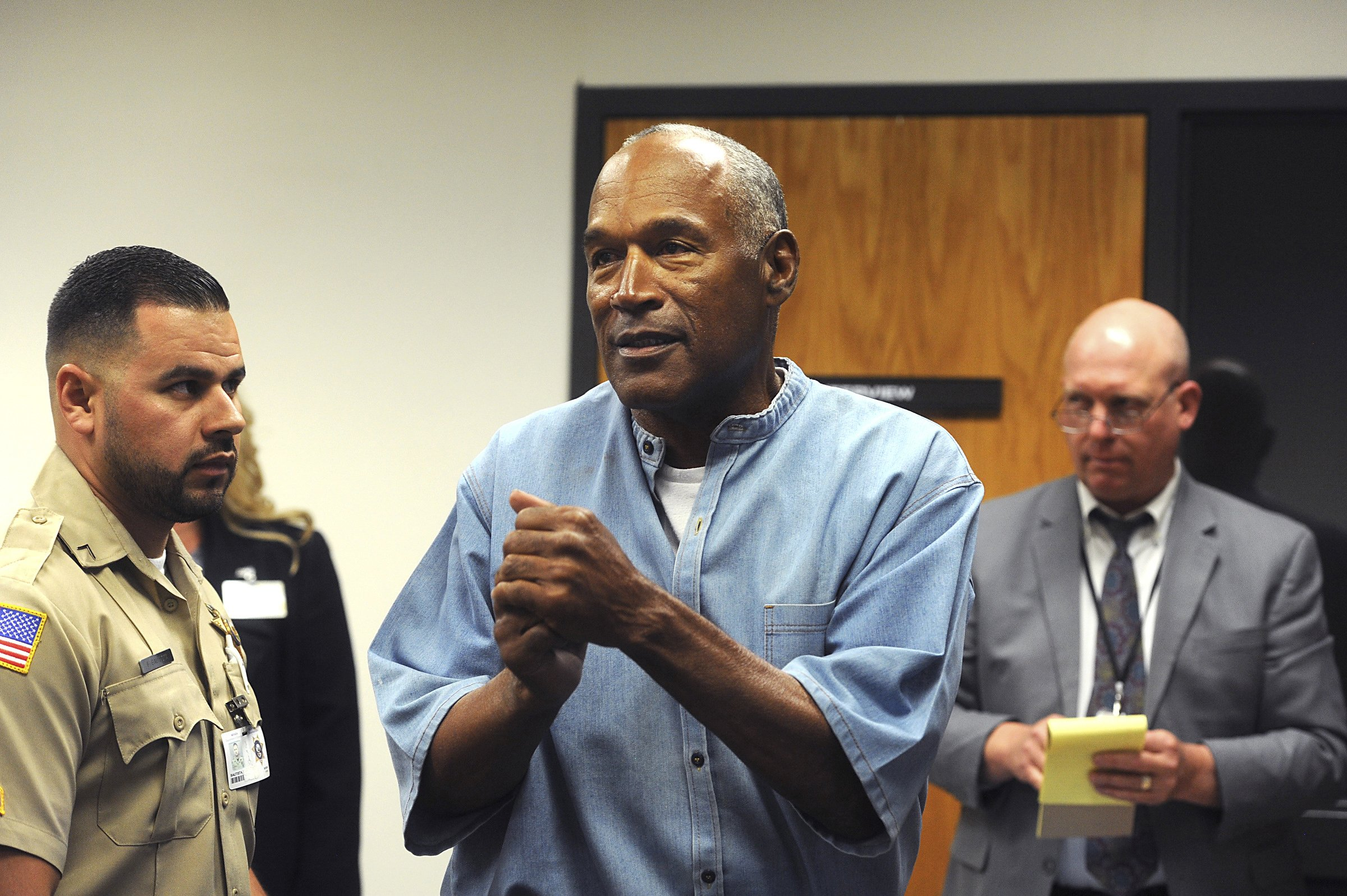 O.J. Simpson triumphant, others devastated as he gets parole