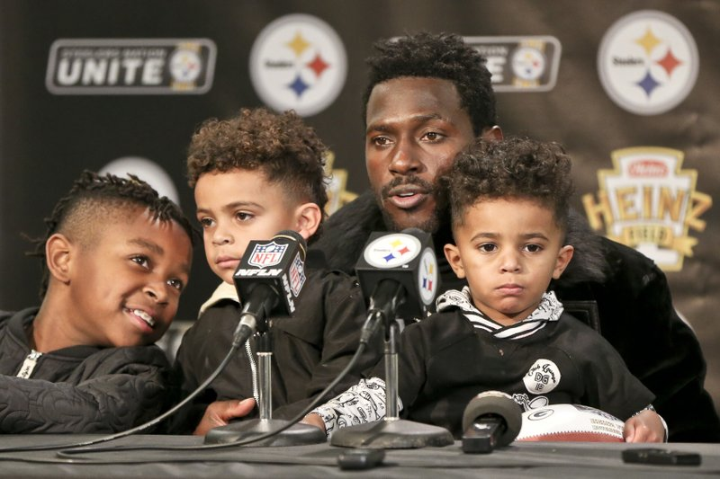 Antonio Brown, Ali Brown, Autonomy Brown, Antionio Brown Jr.